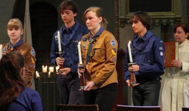 Scouterna medverkade i gudstj�nsten.